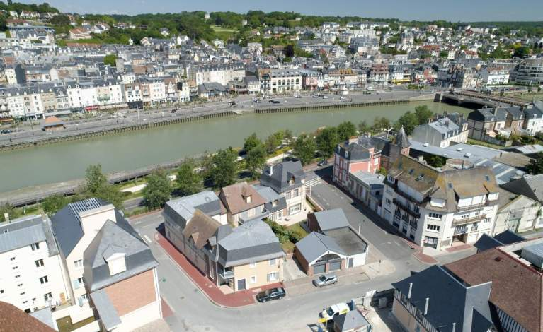 Deauville - drone vue bassin